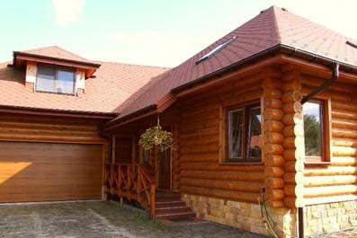 Fascinating wooden house assembly in Poland near Warsaw