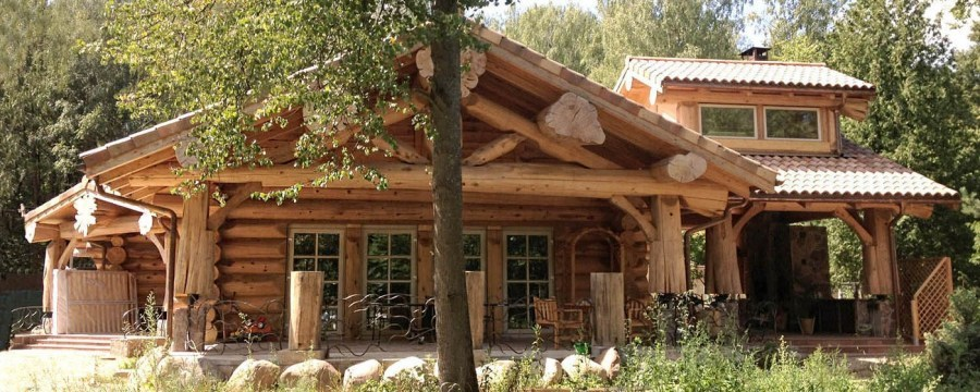 Canadian wooden house construction (construction company Archiline Log Houses)